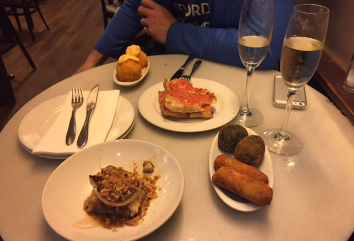 Tapas and bars with an almost local in barcelona!
