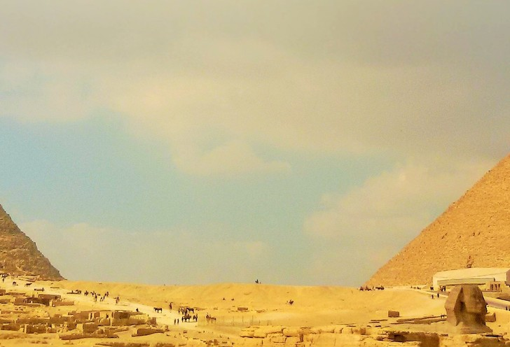 Giza pyramids private tour